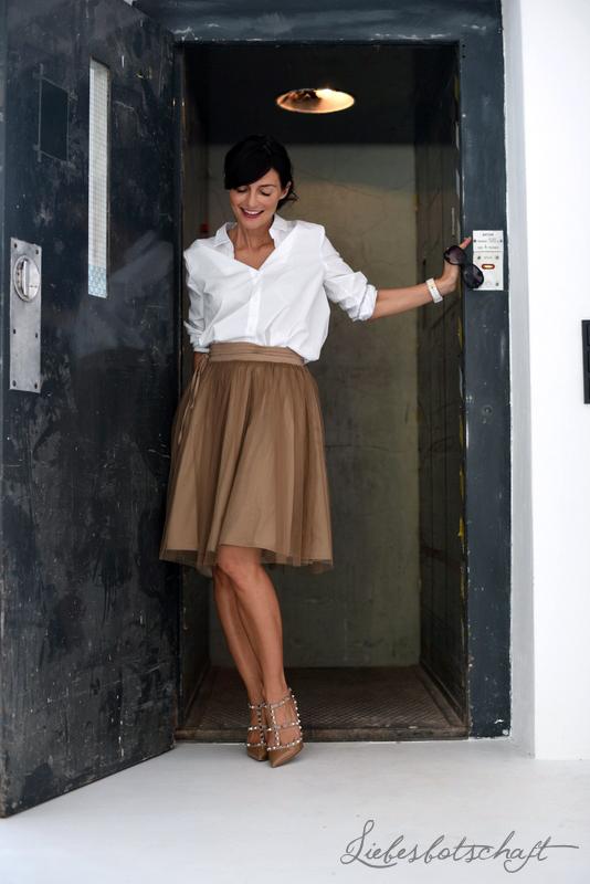 961aecd88fbb Interne Aufzugsregeln und Tüllrock-Outfit. – Liebesbotschaft Blog