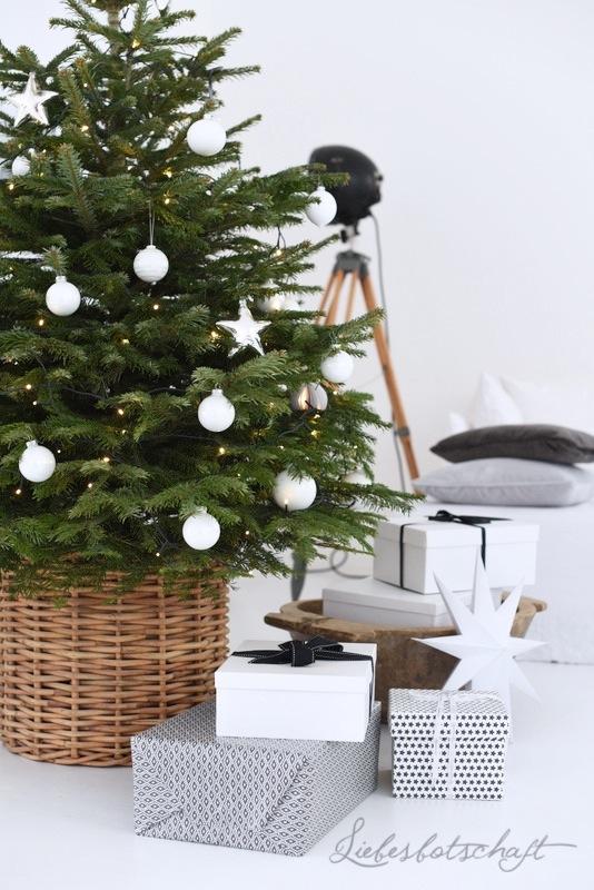 dezember weekend liebesbotschaft sweater und der sch nste weihnachtsbaum liebesbotschaft blog. Black Bedroom Furniture Sets. Home Design Ideas